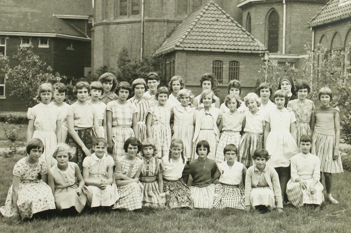 12_1960_Zoete Lieve Vrouweschool_stadsarchief_0020545.jpg