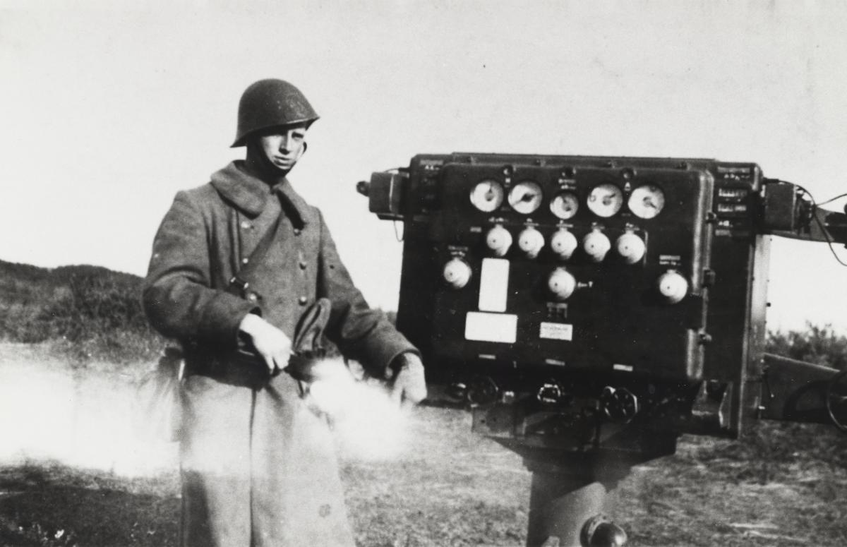 NIMH_Een vuurleidingstoestel van Hazemeijer_1937 Den Helder_ AKL000745.tjp.jpg