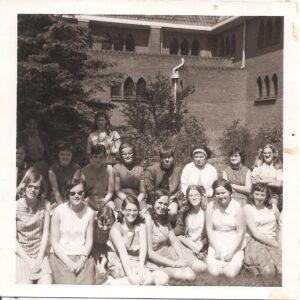 Nellie van Schooten en haar groep op Huize Vincentius
