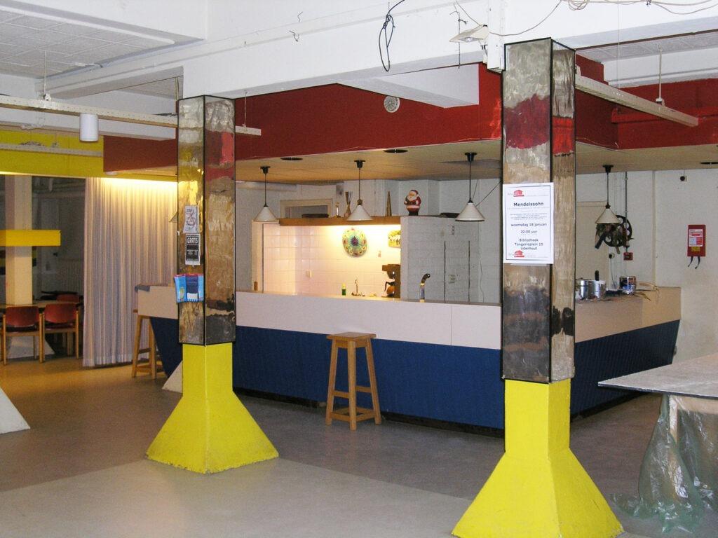 De nieuwe bar in 't Kelderke.